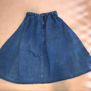 Liz Wear denim prairie style skirt. Size 12